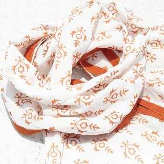 Valentine's Day gift handmade handmade pure cotton scarf / handmade wood engraved plant stained scarf / grass cotton scarf - orange national wind fresh pattern hair ball tassel