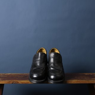 Black Dr. Martens Lazy Shoes slip on Martin Tiffon Shoes Banana Cat. Banana Cats