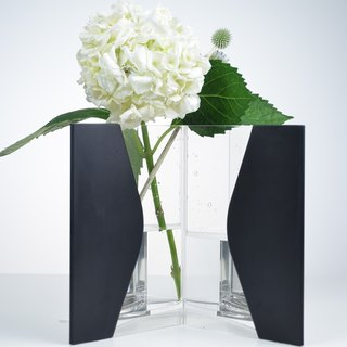 Blue house flower INFINITY VASE (black)