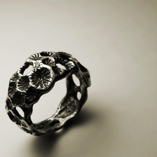 Rough coral texture ring