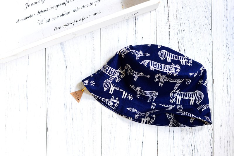 HANDMADE NORDIC FOX SUMMERBUCKET HAT