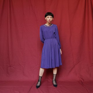 Pumpkin Vintage. Ancient openwork V-neck chiffon dress