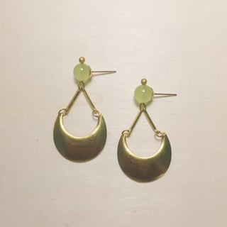Grape Jade Stereo Moon Earrings