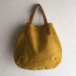 Round tote bag of cattle floor velor and extreme thickness oil nuts S - size [mustard yellow]