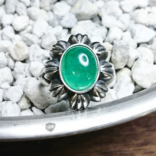 Vintage European style emerald silver ring