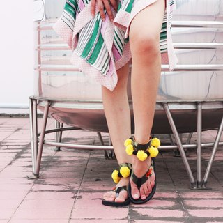 'PEA' Beach Sandals in Camo-YELLOW