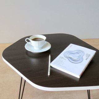 HO MOOD Nature Series - Pebble folding table (white side).