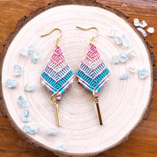 E020-Hand-woven gradation earrings contrast color pink light blue