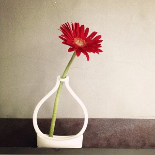 [Miccudo] | Air vase | bright white and other bright black design ceremony ceramics decorative flower