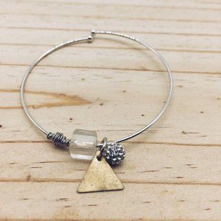 90 DEGREES Series - Simple Triangle Brass Bracelet