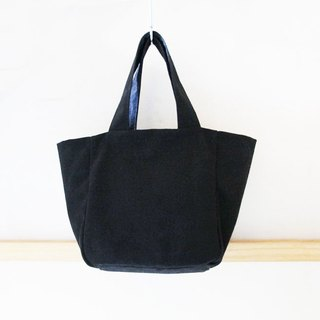 [Low-key black case canvas] Handbag (double-sided available) / Bento bag green bag hand embroidery