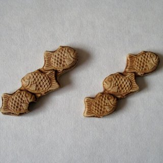 Chii chopstick rest with Taiyaki, three consecutive