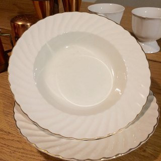 British romantic white porcelain plate system