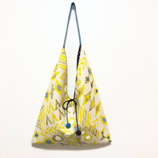 Japanese-style skull-shaped side backpack / large size / geometric figure yellow - 黒 point
