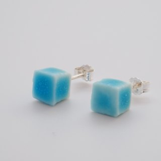 [Free shipping in Asia to 31 July] -cube- porcelain and silver stud earring