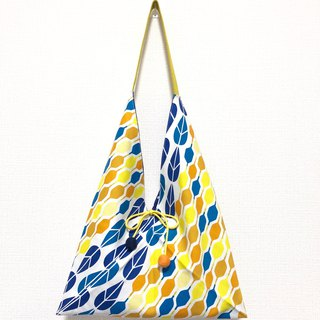 Japanese-style squat-shaped side bag / medium size / yellow and blue hexagonal