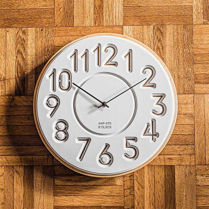 AMP-北歐格調鏤空木框掛鐘
