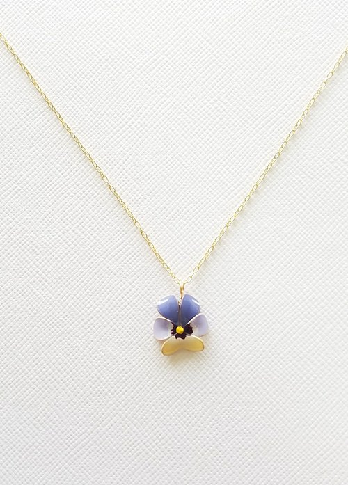viola pendant & necklace <A>