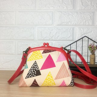 Red geometric triangle bag oblique backpack mouthwash