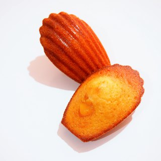 Tropical fruit Madeleine