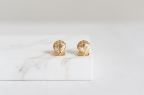 Vintage Early Button Handmade Earrings - Small Shell