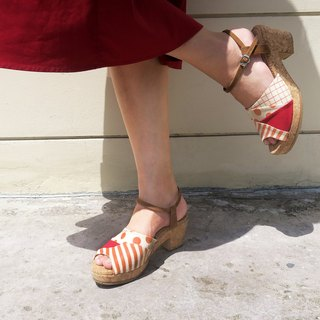 Color-Changing Sunny Day Sandals - Red