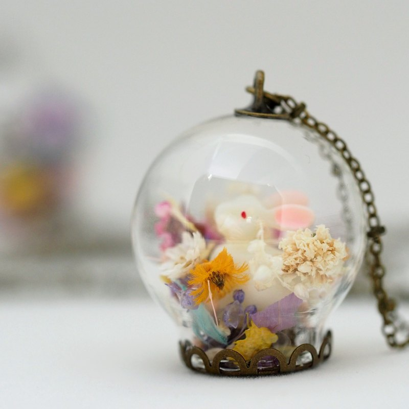 OMYWAY Dried Flower Necklace - Glass Globe Necklace