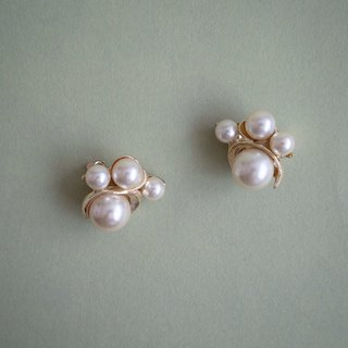 60s JUDY LEE Large Pearl Gold Plated Ear Clip Earrings