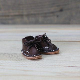 [Yingchuan handmade] mini small shoes strap / Martin shoes / keychain / DIY material package (cut pieces are perforated) PKIT SH001 hand-stitched leather bag - brown