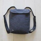 小號雙肩帆布後背包(拉鍊開口+磁扣袋蓋+外側拉鍊袋)-水洗炭灰 / 米白