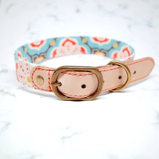 Dog Collar L No. Width 2.5 cm Retro Magic Tile Bursting Leather Genuine Leather Bells Gifts can be added to the tag