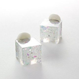 Cube earrings (ice cubes)