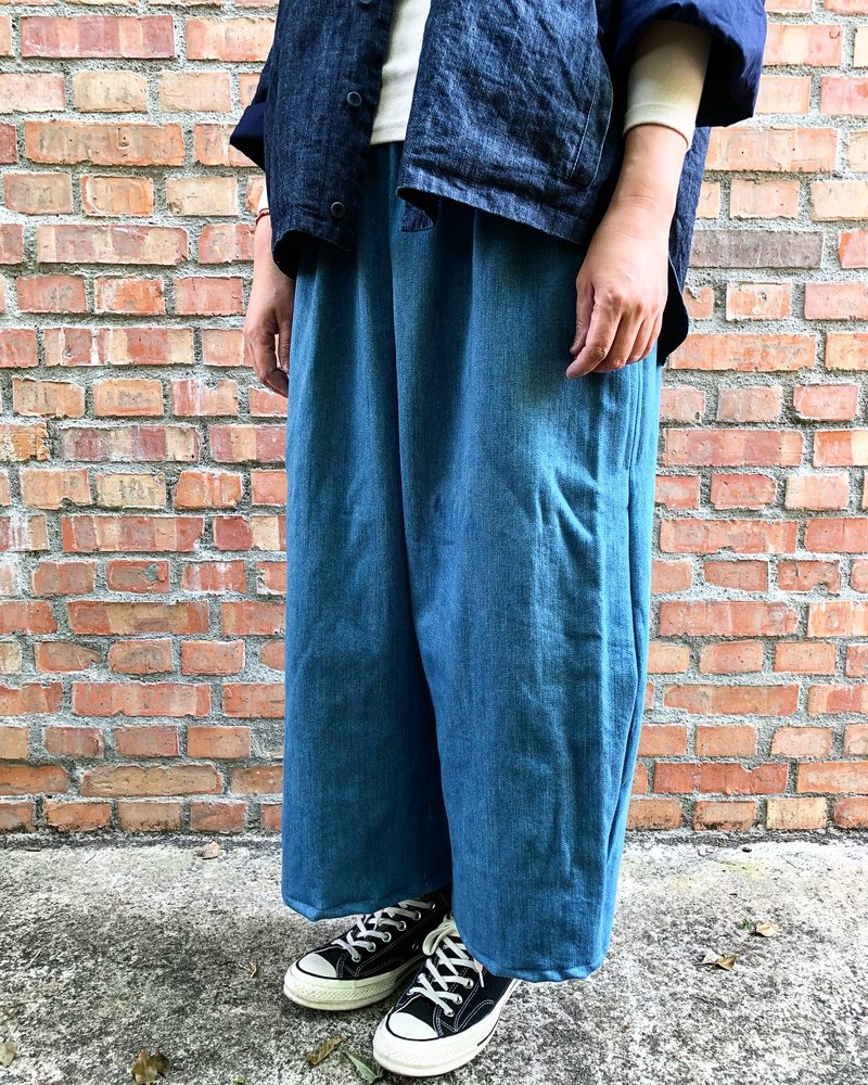 Handmade mid-weight denim three-dimensional cut low-end wide version of the old pants