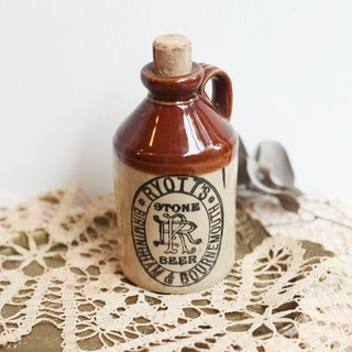 [Good day fetish] British vintage bottle Ryott's Stone Beer bottle. Display props