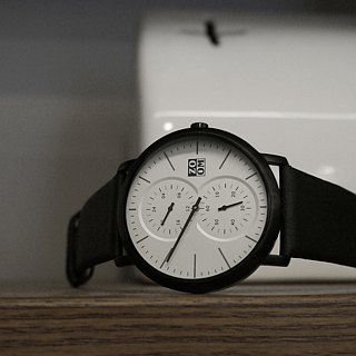 MUSE 7100 Special Reading Watch - Pure White