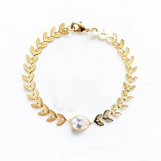 ::Promises Whisper Series :: Laurel Crown (Elliptical Diamond) Bracelet