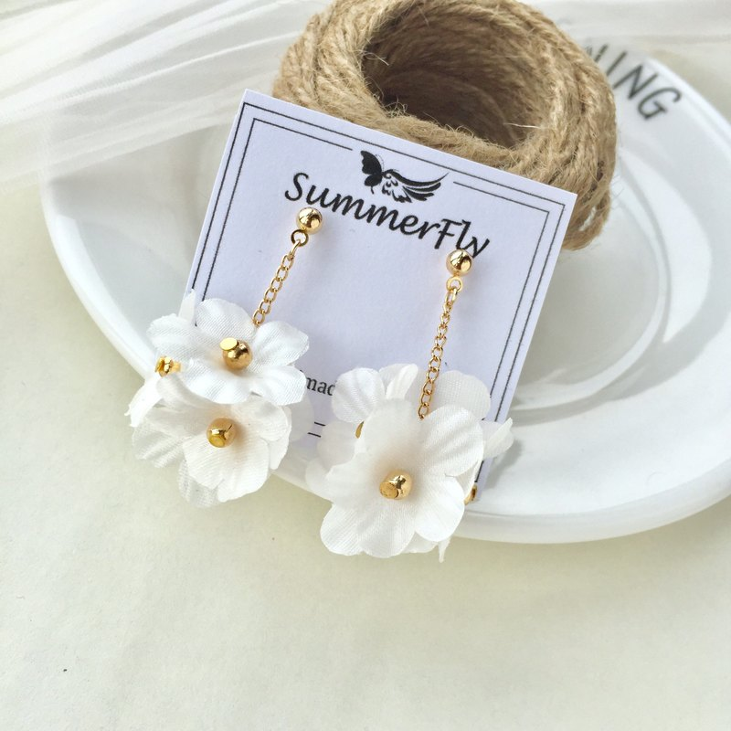 Any Two 10 Can Change The Ear Clip On Handmade Flower Satin Three Dimensional Pressure Zou Ball Earrings Las Wedding