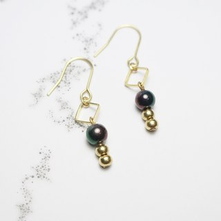 // Gradient light brass bead earrings dark green dark red // ve103