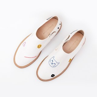 Smiley White Handcrafted Shoes