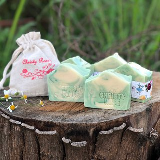 Walk through the forest cold handmade soap dry / neutral skin apply