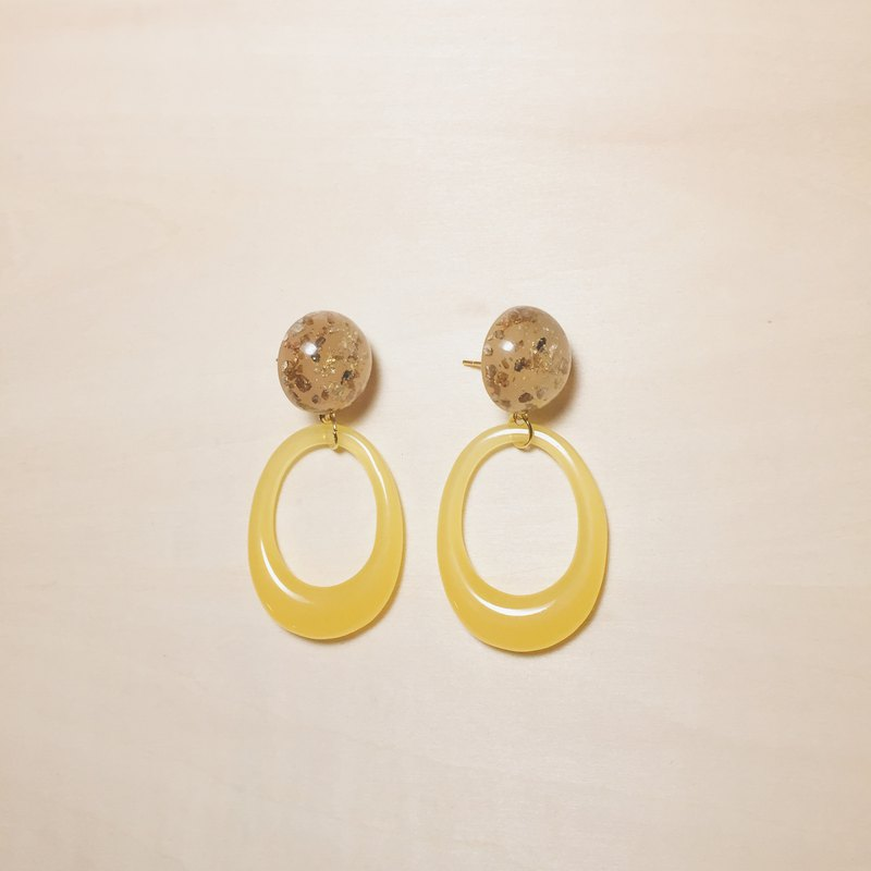 Vintage Gold Foil Balls Oval Openwork Circle Earrings