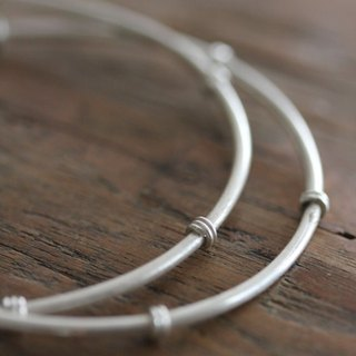 Two interlocked silver bamboo stem bangles (B0048)