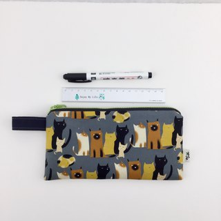 Line up cats - pencil bag / universal bag