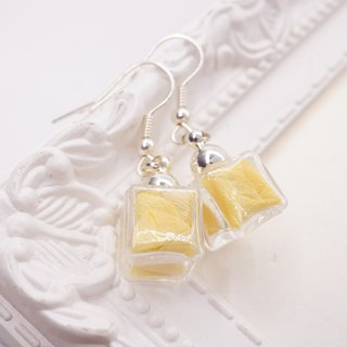 A Handmade yellow hydrangea ice glass ball hanging earrings