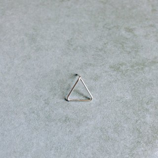 【 PURE COLLECTION 】- Minimalism / Little Triangle  .925 silver earring(single earring for sale)