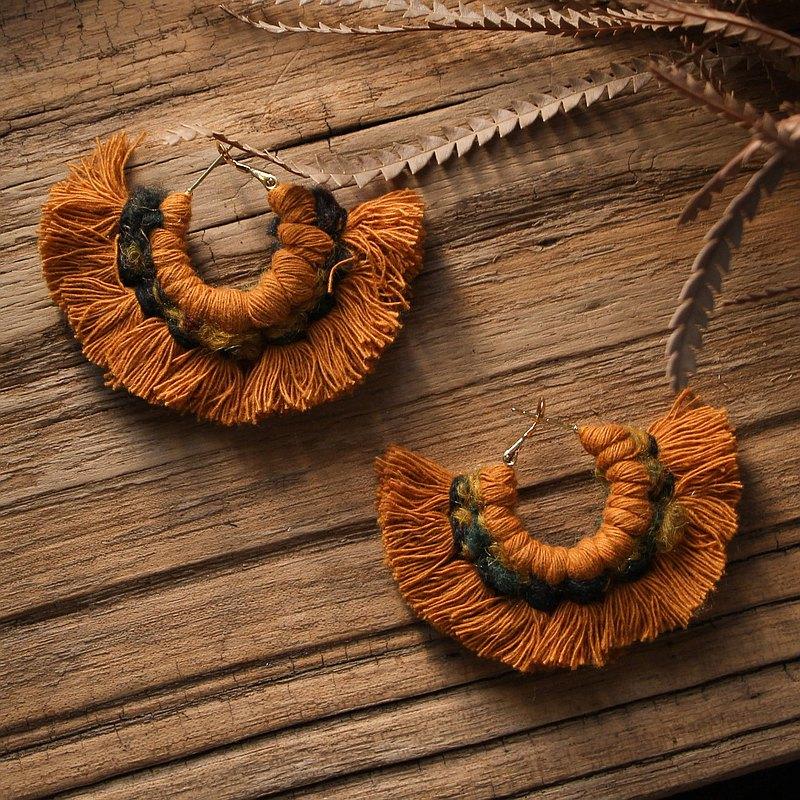 冬日慶典 花圈耳環 豐收棕 小