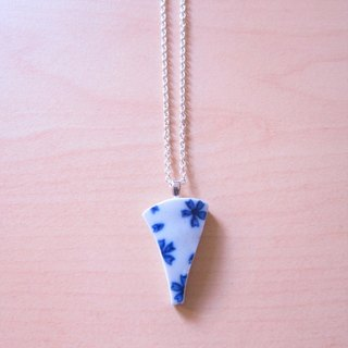 Glass fragments Necklace - Petals // 2nd use ornaments / ceramic ornaments / fragmentation marks / blue and white ceramic necklace