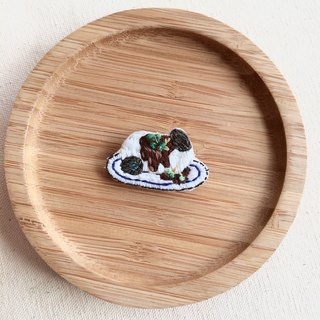 Hand embroidery * classic Taiwan snacks - preserved eggs tofu pin