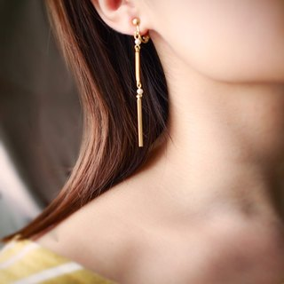 [Intersection] Brass Crystal Earrings (White)