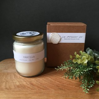 Hand-Poured Vanilla Scented Candle - 250g | Rustic Favor | Gift